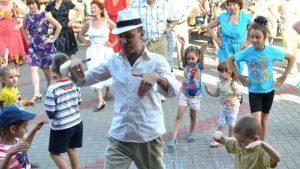 Запорожцев приглашают на бесплатный мастер-класс по бальным танцам