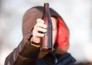 В Запорожье патрульные провели рейд по киоскам с целью избежания продажи алкоголя несовершеннолетним