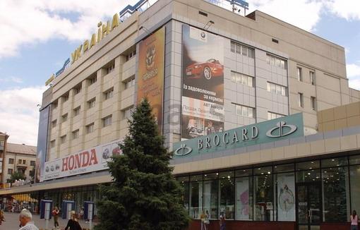 В Запорожье произошёл конфликт посетителя и администратора ТЦ «Украина» (ВИДЕО)