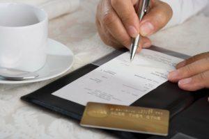 «Гривня до Запоріжжя»: с каждого чека в ресторанах и отелях будут платить маркетинговый сбор