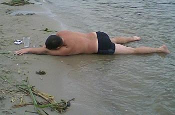 На запорожском курорте чуть не утонул пьяный отдыхающий