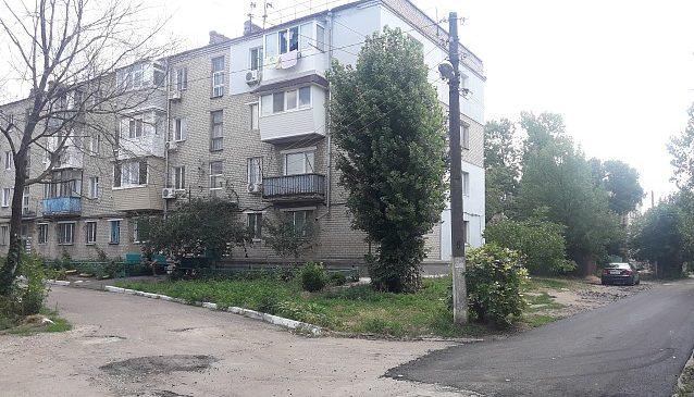 Жители города в Запорожской области благодарят депутата за новые дороги во дворах (ФОТО, ВИДЕО)