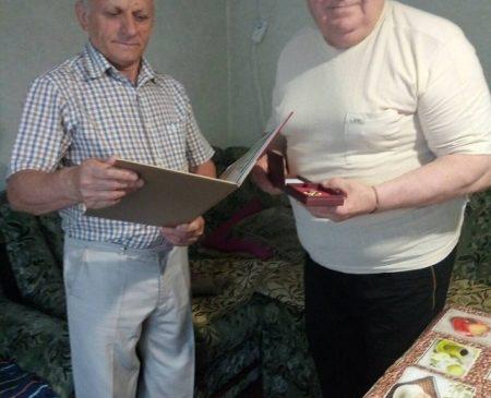 Ветеран пожарной охраны получил Награду «За преданность пожарному делу»