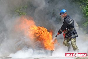 В Запорожье проходят соревнования среди пожарных