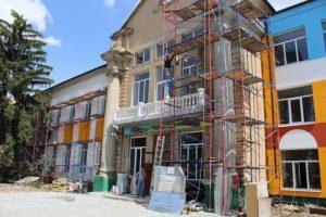 Найстаріша школа Мелітополя перетворюється у школу майбутнього — у мережі з'явилися фото реконструкції (фото)