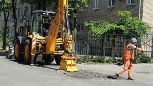 В Запорожье продолжают ремонтировать проезжую часть: дополнительно готовится 1 тыс. кв. метров для ямочного ремонта