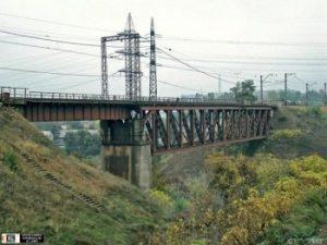 В Запорожье Приднепровская железная дорога отремонтирует 115-летний мост