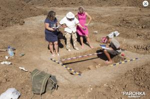 В Запорожской области археологи нашли захоронение вождя древнейшего племени (Фото)