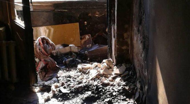 У Запорізькій області через пожежу у квартирі у пастці опинилися 7 людей (фото)