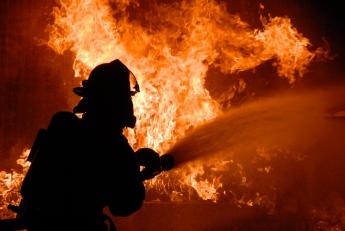 У Запорізькій області сталася пожежа, її гасили майже годину