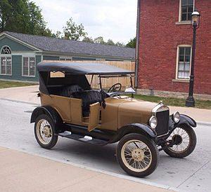 Форд начала 20 века привезли из США в Запорожье