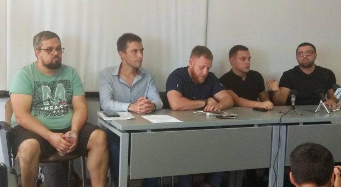 «Война всех против всех»: в Запорожье защитники сквера Яланского объяснили ситуацию и свою позицию
