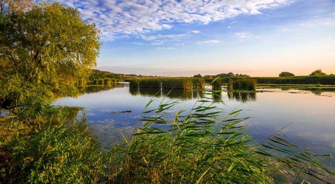 Запорожский фотохудожник поделился впечатляющим снимком утреннего Днепра (Фото)