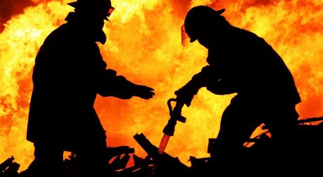 В Запорожье спасатели 2 часа тушили пожар: ЧП произошло на пивзаводе