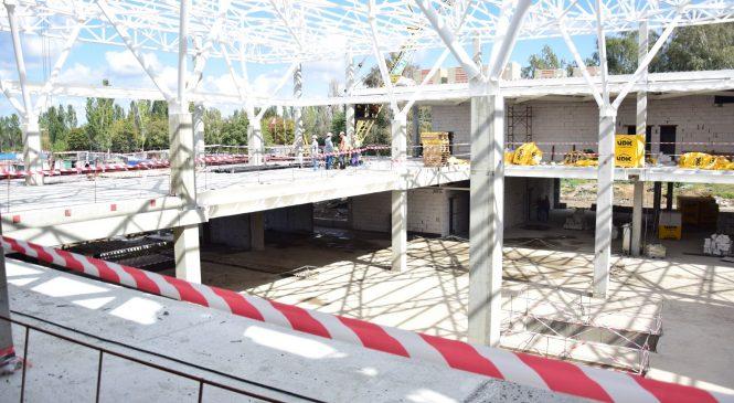 Представители власти в Запорожье проверили ход работ по строительству терминала аэропорта (ФОТО)