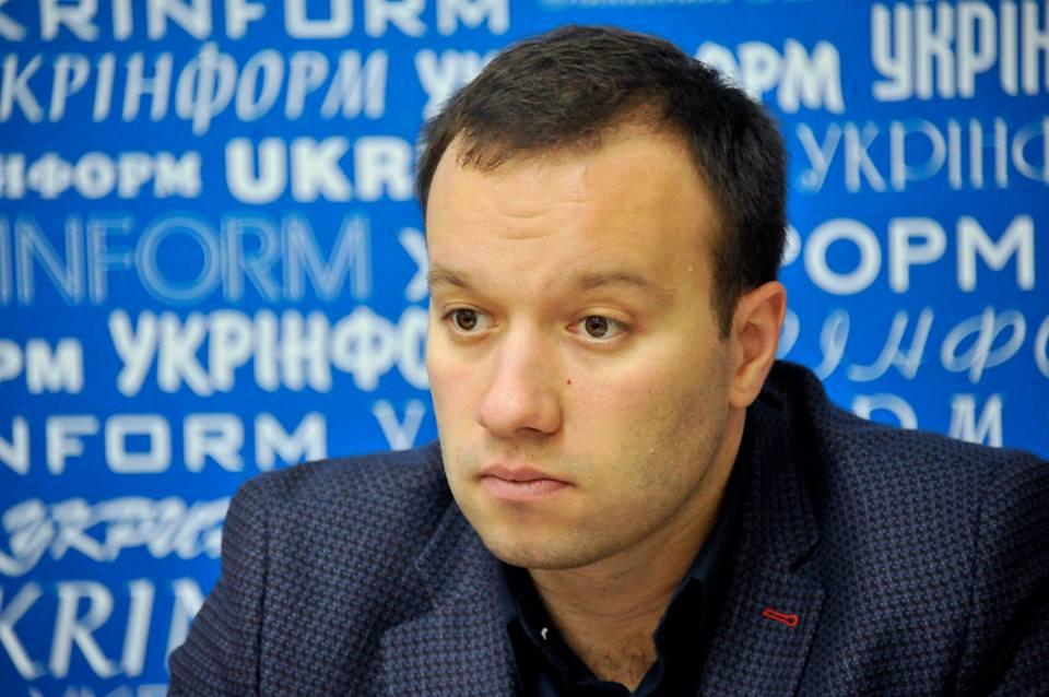Юрист проекту «Київ без тютюнового диму» Петро Король. Фото: Фейсбук-сторінка