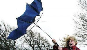 Грозы, шквалы, порывы ветра, град: запорожцев предупреждают о смене погоды