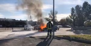 На запорожской Набережной сгорела «Таврия» (Видео)