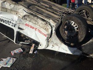У Запорізькій області серйозна ДТП: від удару автівка перекинулася декілька разів