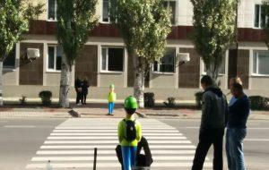 В Запорожской области продолжат устанавливать пластиковых, светоотражающих «школьников»