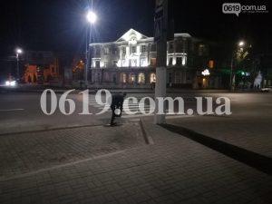 У Запорізькій області підліток намагався вкрасти решітку каналізації (фото)