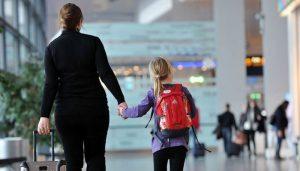 Міністр юстиції розповів про те, чи можливо виїхати з дитиною за кордон без згоди одного із батьків
