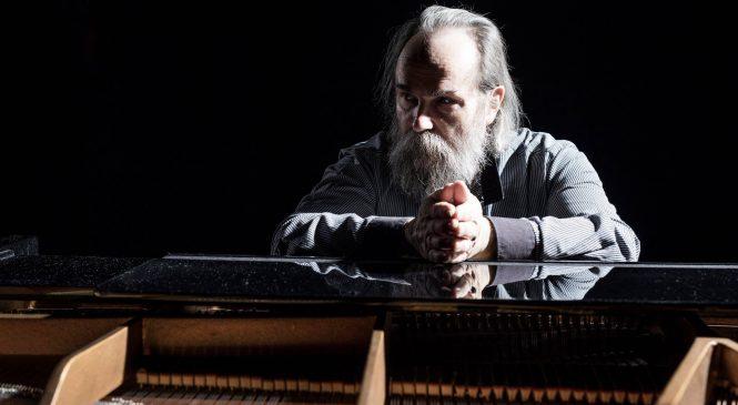 В Запорожье приедет самый быстрый пианист планеты