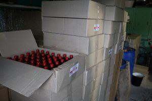 В одном из гаражей Запорожья производили фальсифицированный спирт: продавали подделку через «Viber», «Telegram» и «WatsApp» (Фото)