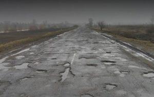 Плохое состояние дороги «Запорожье-Мариуполь» — первое, что увидела миссия ЕС (Видео)