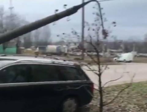 Появились подробности ДТП в Запорожье, в котором авто снесло столб (Фото)
