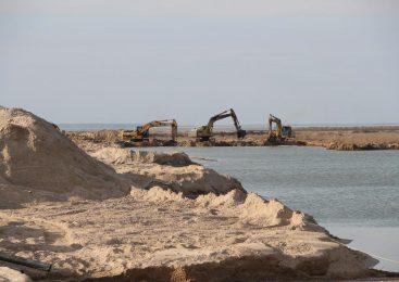 Запорожская областная власть контролирует расчистку промоины, которая соединяет Азовское море с Молочным лиманом (Фото)