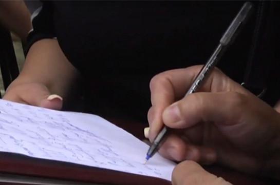 Збір персональних даних, подарунки виборцям: нові форми агітації у Запорізькій області