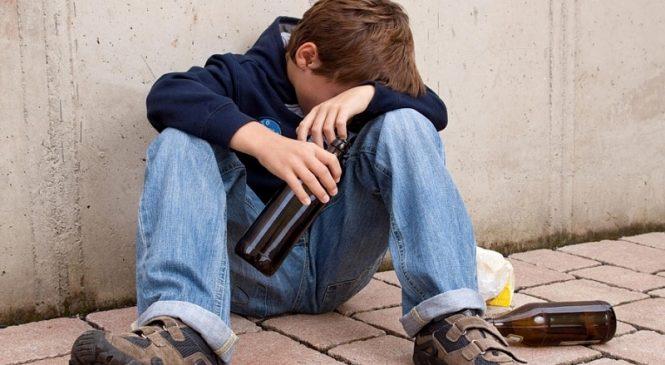 В Запорожской области 12-летние подростки отравились алкоголем (Фото, видео)