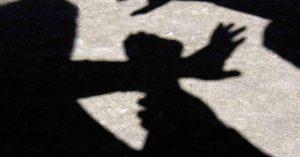 У Мелітополі невідомий напав на школярку у під'їзді
